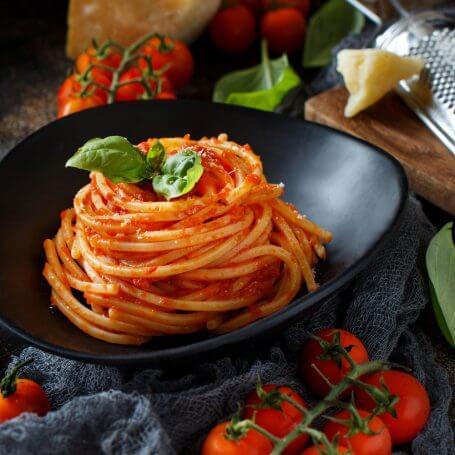 niku-home13-spaghetti-pasta-with-tomato-sauce